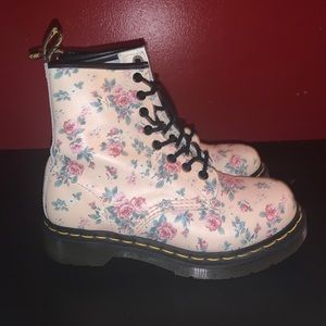 DR MARTENS VICTORIAN FLORAL PRINT LEATHER BOOTS